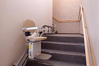 イス式階段昇降機